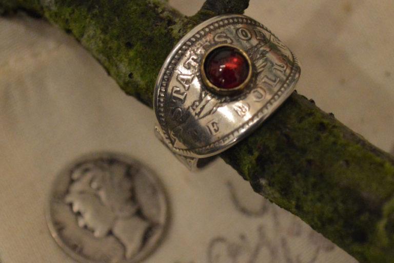 j5-garnet-cigar-ring
